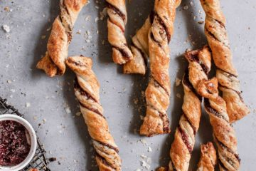 PuffPastry Twists With Cake Crumbs