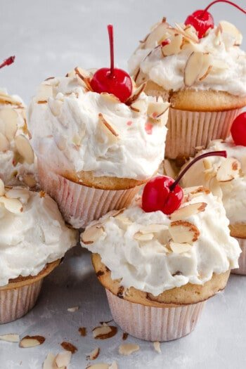 Almond Chocolate Cupcakes in 10 minutes