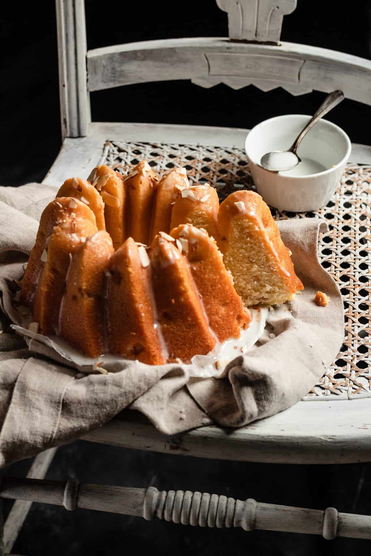 Pear cake  recipe with almond and olive oil