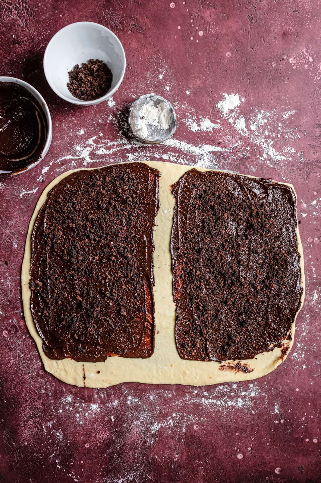 How to bake traditional chocolate babka