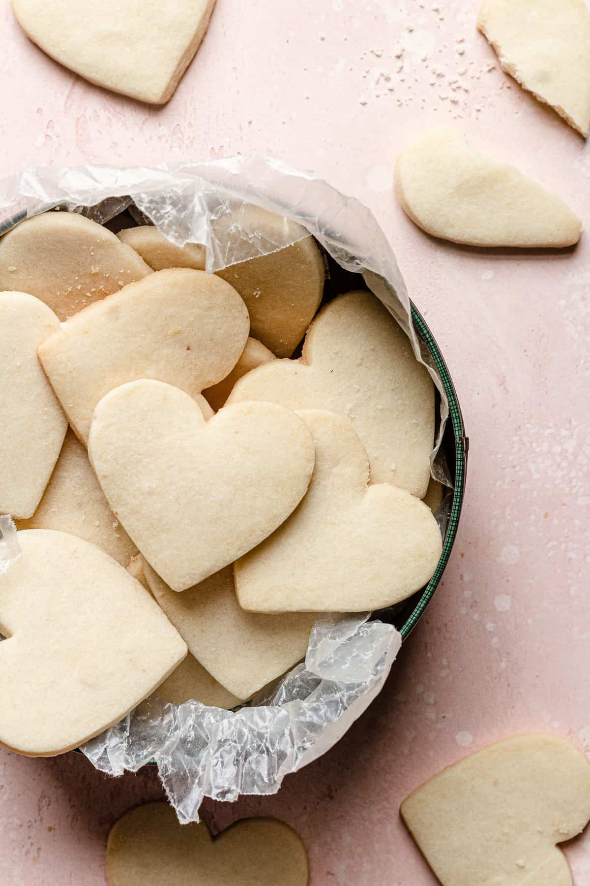 Shortbread cookies with sharp edges