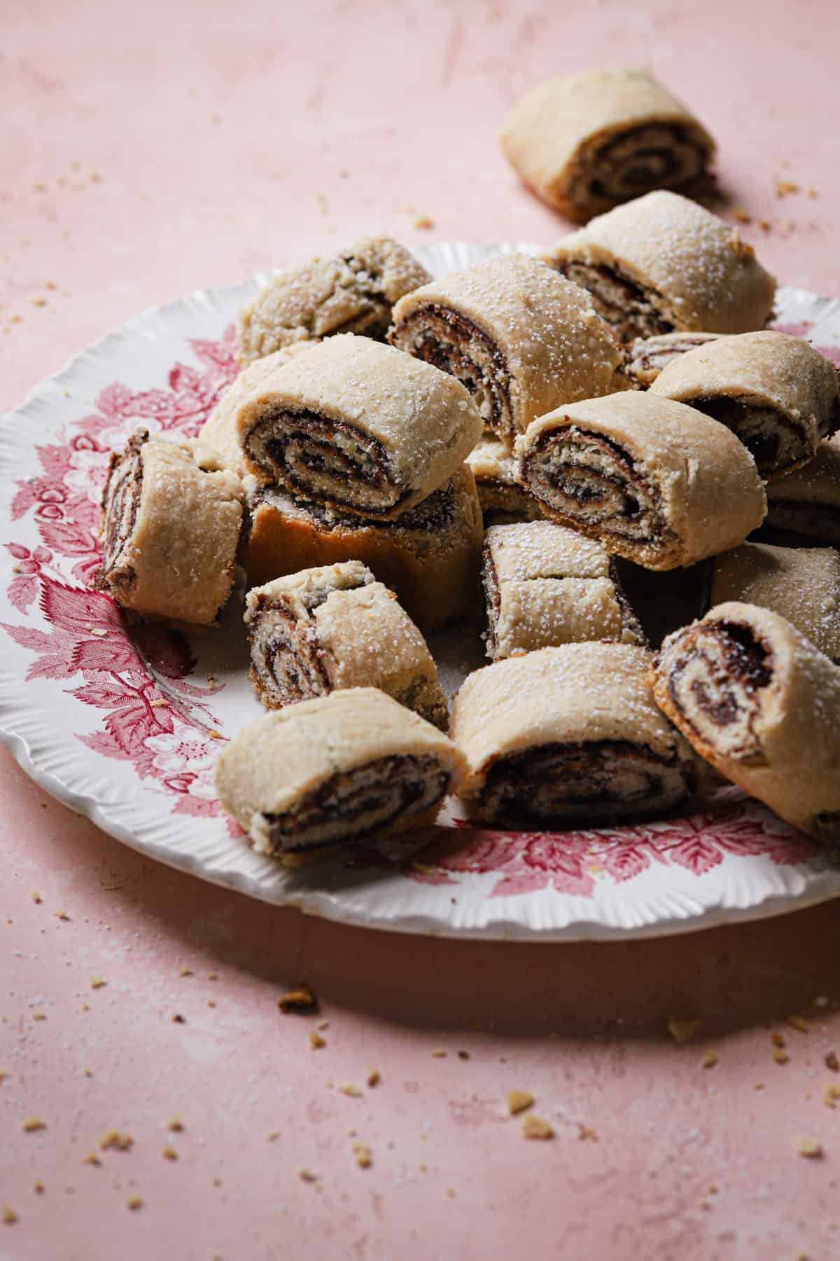 Tender and melt in the mouth cookies filled with chocolate.